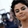 Selena Gomez tira sarro dela mesma por causa do Met Gala