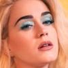 Katy Perry diz que vem ao Brasil em turnê durante transmissão ao vivo!