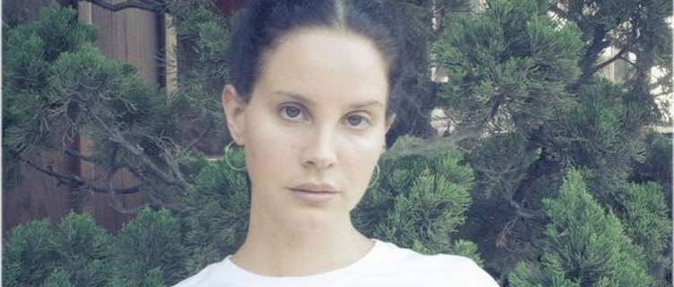 O que esperar do novo disco da Lana Del Rey? Guitarras e inspiração em Red Hot Chilli Peppers!