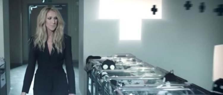 """""""Isso é satânico"""", diz exorcista sobre marca de roupas de gênero neutro de Celine Dion"""