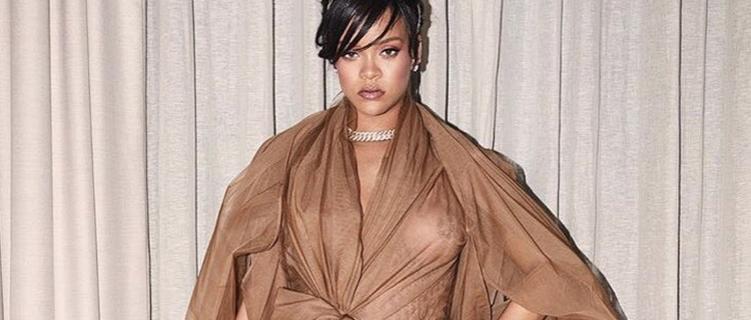 É feio até a Rihanna usar: o que falaram dos looks da cantora no Coachella