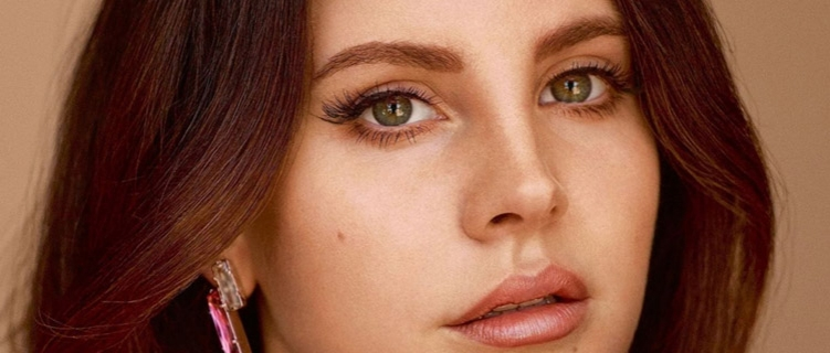 Lana, tá tudo bem? Cantora deleta fotos do Instagram e tweets