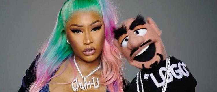 Nicki Minaj transforma rappers em fantoches no vídeo de Barbie Dreams! Vem ver!
