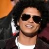 Show de Bruno Mars é interrompido após pequeno incêndio no palco