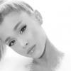 """Ariana Grande deixará redes sociais e fala pela primeira após fim de noivado: """"Muito triste"""""""