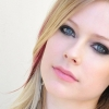 Avril Lavigne se irrita com pesquisa que compara Nickelback a Donald Trump