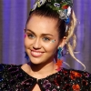 Disco novo? Miley Cyrus apaga fotos e faz faxina no Instagram!