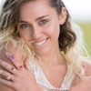 A jovem Miley Cyrus revela título e data de lançamento do seu novo álbum
