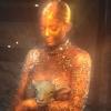 Kylie Jenner tá coberta de ouro no novo clipe do Travis Scott! ANA REIS 08/08