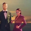 """One Kiss"" de Calvin Harris e Dua Lipa é o clipe mais tocado do ano na MTV mundialmente"