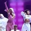 """'Teen Choice Awards 2018': Bebe Rexha faz apresentação forte de """"I'm a Mess"""", seu novo single!"""