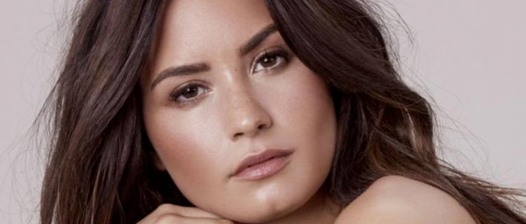 """Demi Lovato se desculpa por pegadinha que fez a um amigo: """"Sei muito bem sobre abuso sexual"""""""